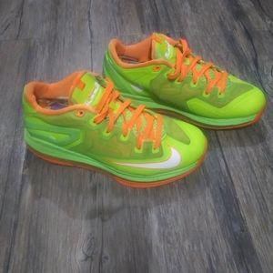 Nike LeBron James XI Max Sneakers Size 8 Green